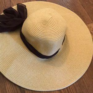 Accessories - Floppy hat